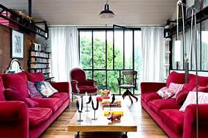 deco salon divan rouge With tapis rouge avec canapé velours violet