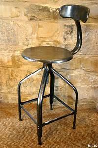 Chaise De Bar Industriel : chaise de type industriel vers 1950 ~ Teatrodelosmanantiales.com Idées de Décoration