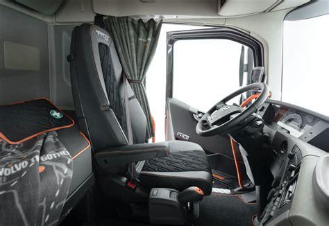 volvo trucks commercialise une serie limitee fh  ans