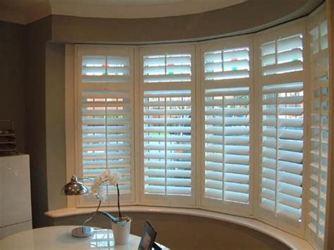 blinds    bay window  house ideas