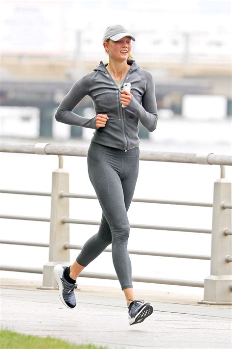 Karlie Kloss Out Running New York Hawtcelebs
