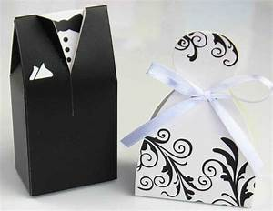interesting wedding memorabilia to wow your guests wedzo With wedding guest gift ideas