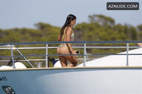 Antonela Roccuzzo Nude Aznude