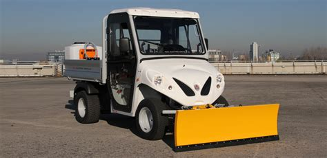 electric utility vehicles electric utility vehicles with salt spreader