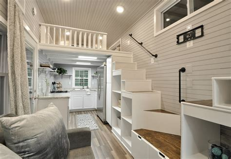 TINY HOUSE TOWN: The Kate From Tiny House Building Company