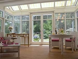 Weisser wintergarten im englischen stil steinbach for Balkon teppich mit tapeten englischer stil