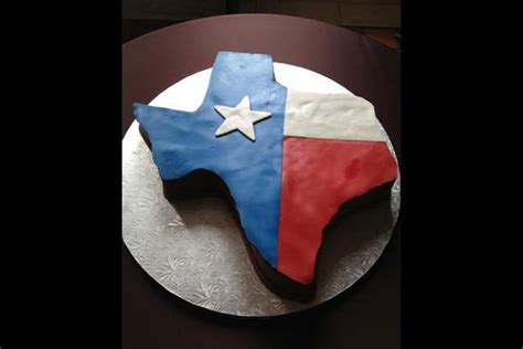 incredible texas themed grooms cakes
