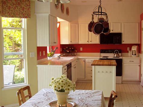 cottage kitchen backsplash 12 cozy cottage kitchens kitchen ideas design with