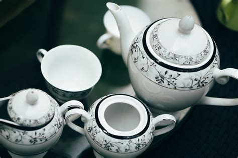 Home Decor Essentials : 8 Home Decor Essentials To Buy At The Thrift Store