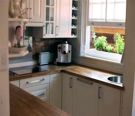 small square kitchen design 5557