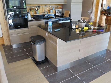 plinthes pour meubles cuisine photo plinthes inox sous les meubles de cuisine travaux de finitions lozere 48