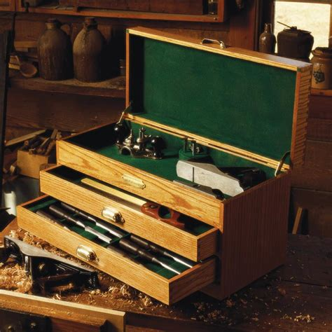 woodworkers tool chest woodworking plan  wood magazine