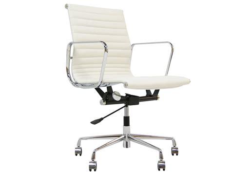 chaise bureau office depot chaise de bureau eames the vitra ea 108 aluminium chair