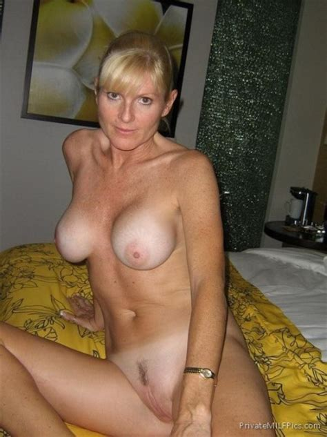 hot naked blonde is ready for sex private milf pics