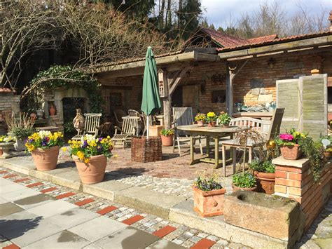 Sitzplätze Im Garten Ploberger
