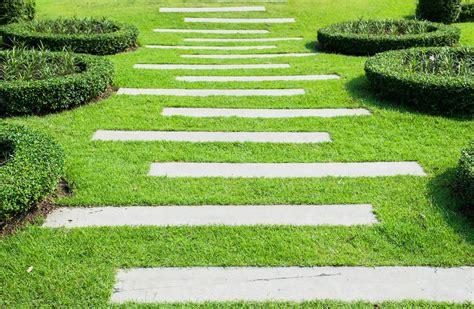 Garden Path Ideas  Mulch  Gravel  Wooden  Crazy Paving