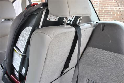 Most Parents Not Using Car Seat Tether