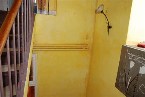 comment tapisser une montee d escalier pr 233 parer et repeindre une cage d escaliers
