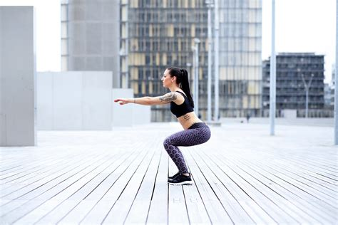 Lower Body Workout: A 10-Minute Bodyweight Cardio Workout | SELF