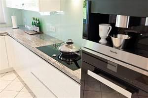Schwarzer Granit Arbeitsplatte : granit arbeitsplatte mit wei en fronten moderne klassik ~ Sanjose-hotels-ca.com Haus und Dekorationen