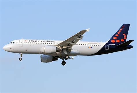 bureau airlines bruxelles file airbus a320 214 brussels airlines an2114057 jpg