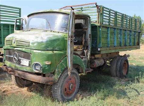 Maybe you would like to learn more about one of these? Oldtimer trucks in Greece   www.nomadic-one.com