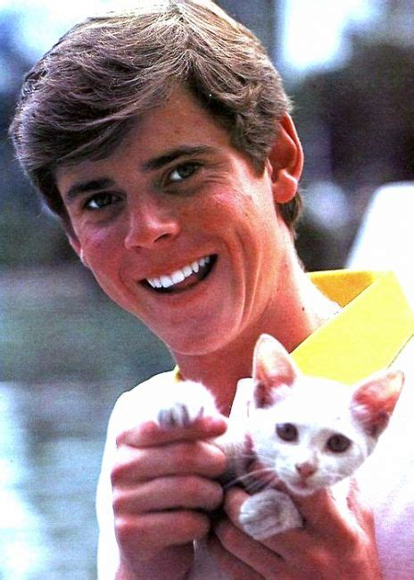 thomas howell net worth  rich   thomas howell