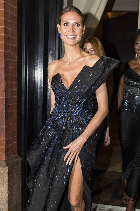 Heidi Klum Full Length Blue Dress Arrives The