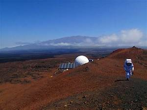 NASA's HI-SEAS Team Training in Hawaii for Manned Mars ...