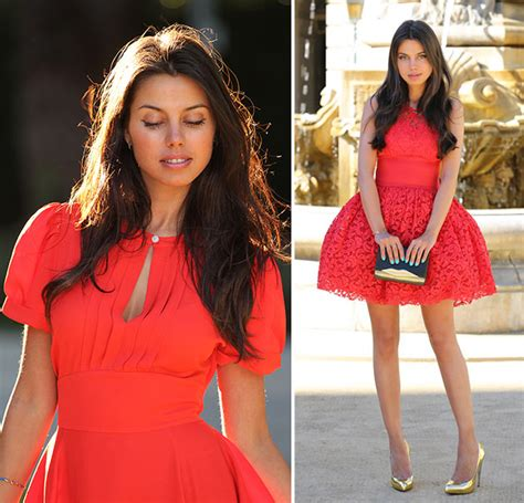 Flattering Colors For Brunettes by What Colors Flatter Brunettes Best Of All Fashionisers