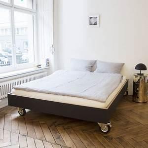 Bett Auf Rollen : bett auf rollen ~ Markanthonyermac.com Haus und Dekorationen