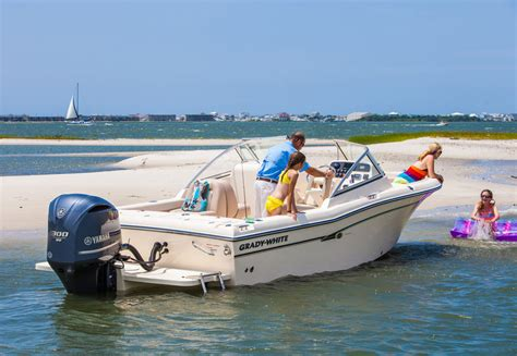 Yamaha Boat Engine Maintenance by Boat Care And Maintenance How To Keep Your Outboard