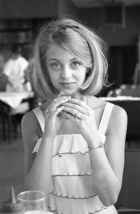 Young Goldie Hawn in 2019   Famous people in history