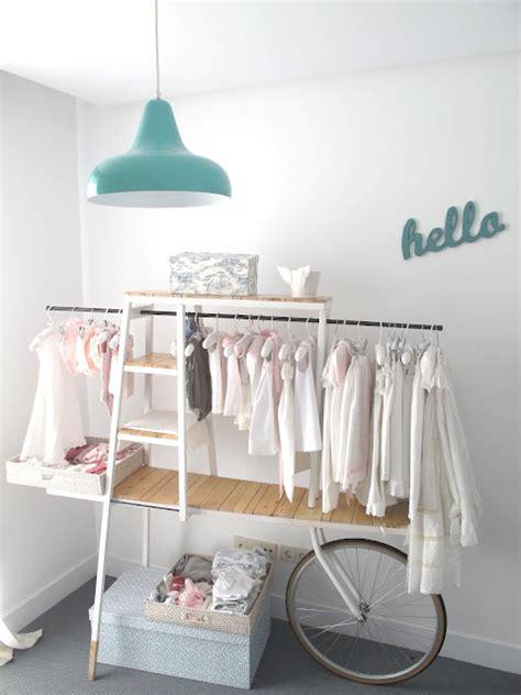 porte vetement chambre ambientes que inspiran carrito bici para colgar la ropa