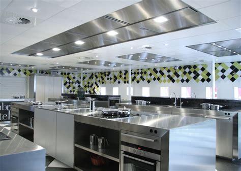 louer cuisine professionnelle plan de cuisine professionnelle maison design bahbe com