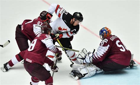 Latvijas hokeja izlase pasaules čempionātu Rīgā atklās ar ...