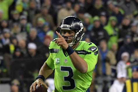 seahawks bring  action green uniforms  game