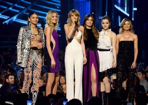 Taylor Swift gets 8 honors at BBMAs, unveils 'Bad Blood