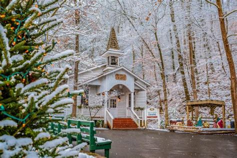 spend christmas   smoky mountains travel channel