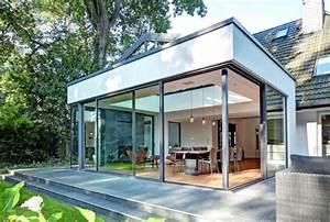 Anbau Haus Glas : anbau wird zum lichtkanal helle villa im dunklen wald ~ Lizthompson.info Haus und Dekorationen