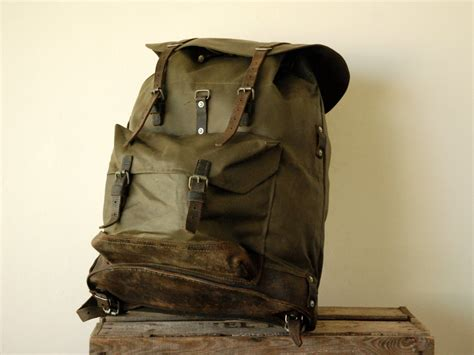 Swiss Army Backpack Rucksack Rubber Leather Hunting Hiking