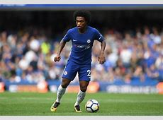 Manchester United hold talks with Chelsea forward