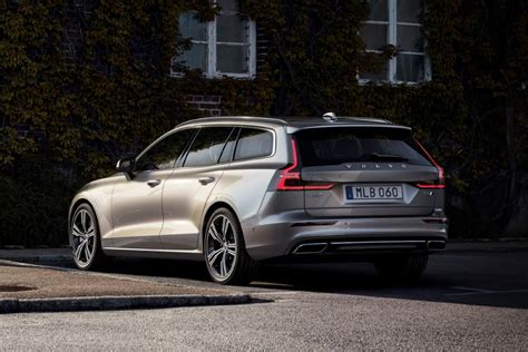 2020 Volvo Suv by 2020 Volvo V60 Price And Equiment New Suv Price