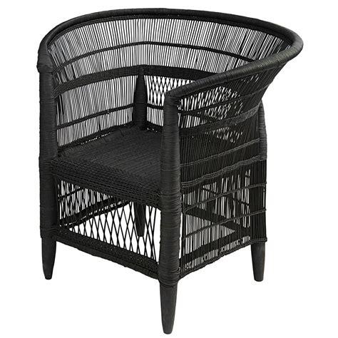 fauteuil en bambou et rotin noir malawi maisons du monde