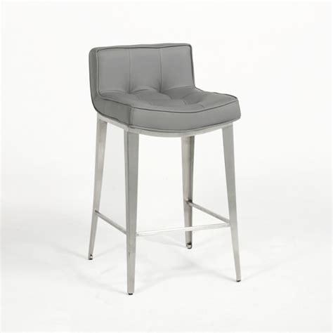 amenagement ilot central cuisine les tabourets de bar 4 pieds tables chaises et