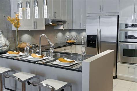 manon cuisine maison cuisines manon leblanc poursuit sur sa lancée léger design