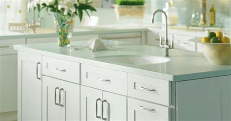 thomasville kitchen islands maple white kitchen island by thomasville cabientry