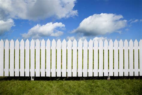 fence picture wag s white picket fence