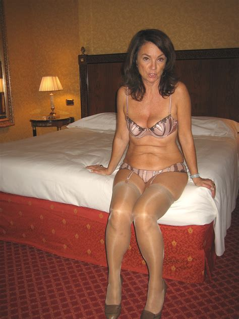 Amateur Mature Hairy Brunette Wife Tgp Gallery 292909