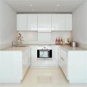 25+ Best Ideas about White Galley Kitchens on Pinterest ...